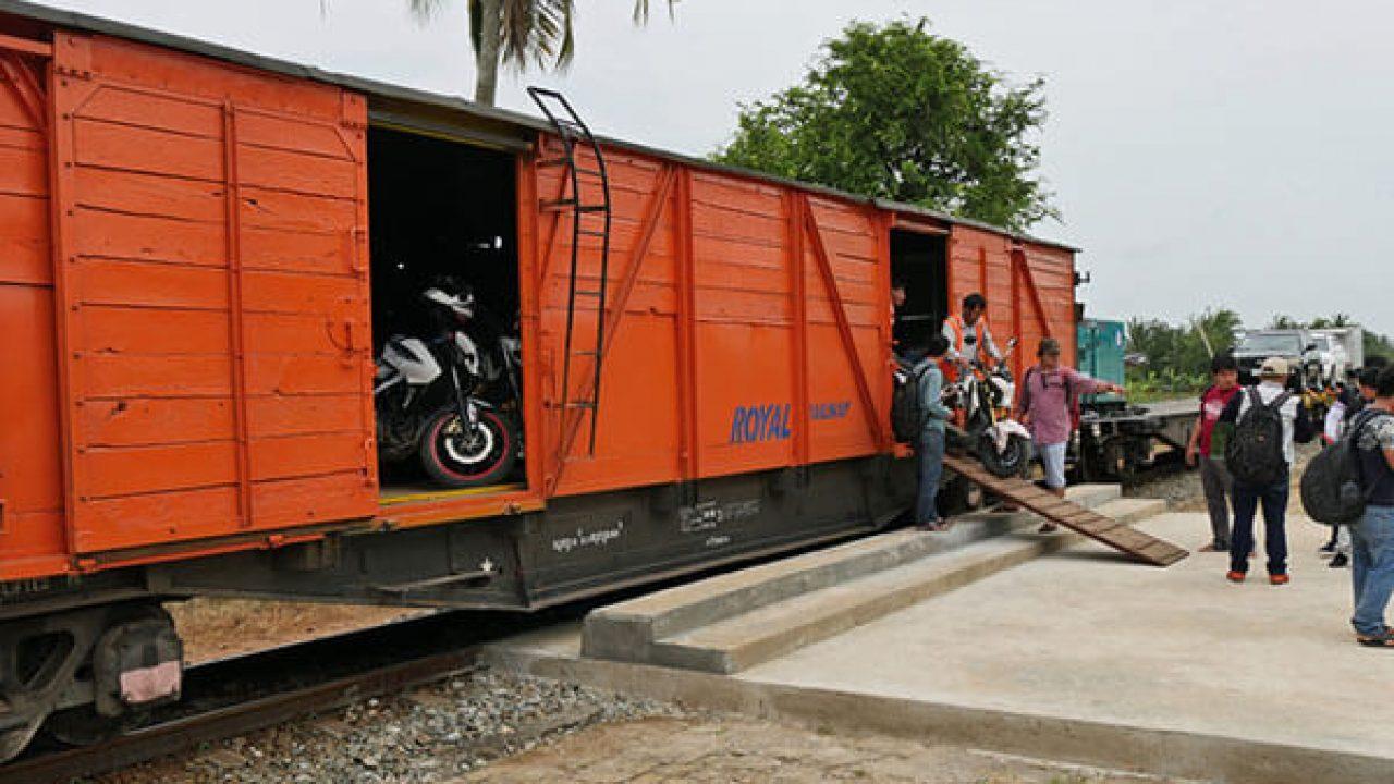 vận chuyển xe máy bằng tàu hỏa